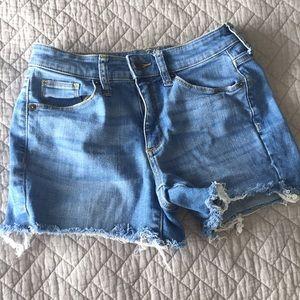Universal Thread Mid Rise Shorts